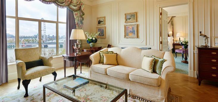 monet suite chicago living room