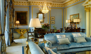 royal suite living room at the Lanesborough hotel with elegant old-fashioned furnishings and chandeliers