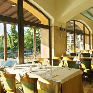 Hrizantema-Main-Restaurant.jpg