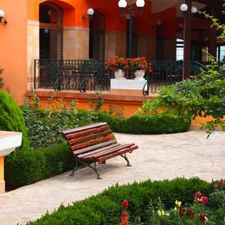Garden_1.jpg