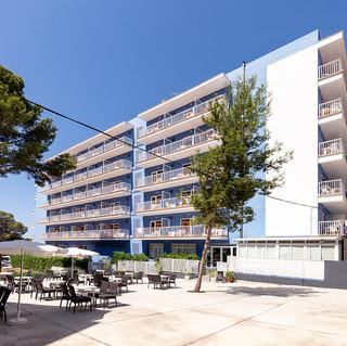 paradisebeach-hotel.jpg