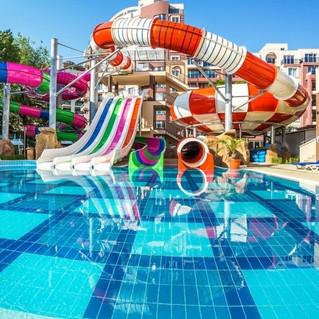28680152-laguna-park.jpeg