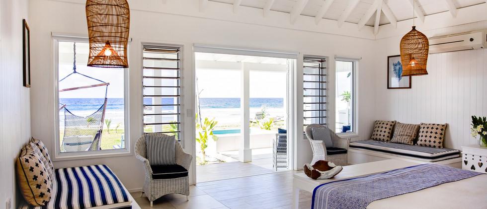 Beachfront plungepool Villa.jpg