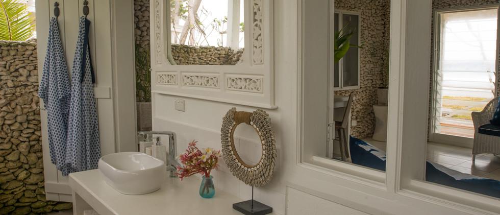 Beachview Villa Bathroom.jpg