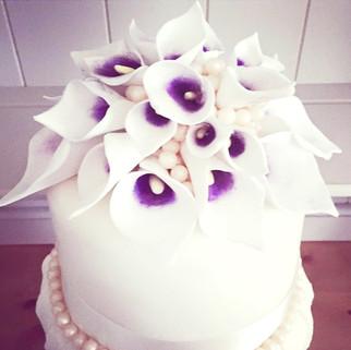 Sugar Lily Cake