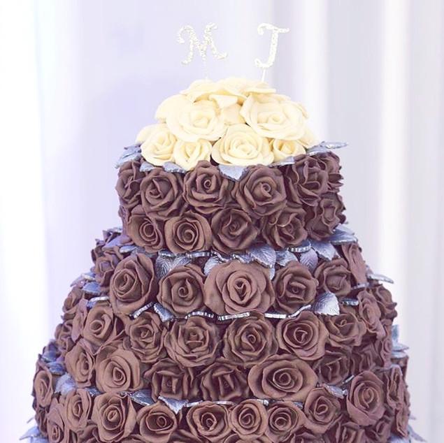 Chocolate Rose Wedding Cake