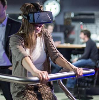 Joueur équipé du casque Oculus