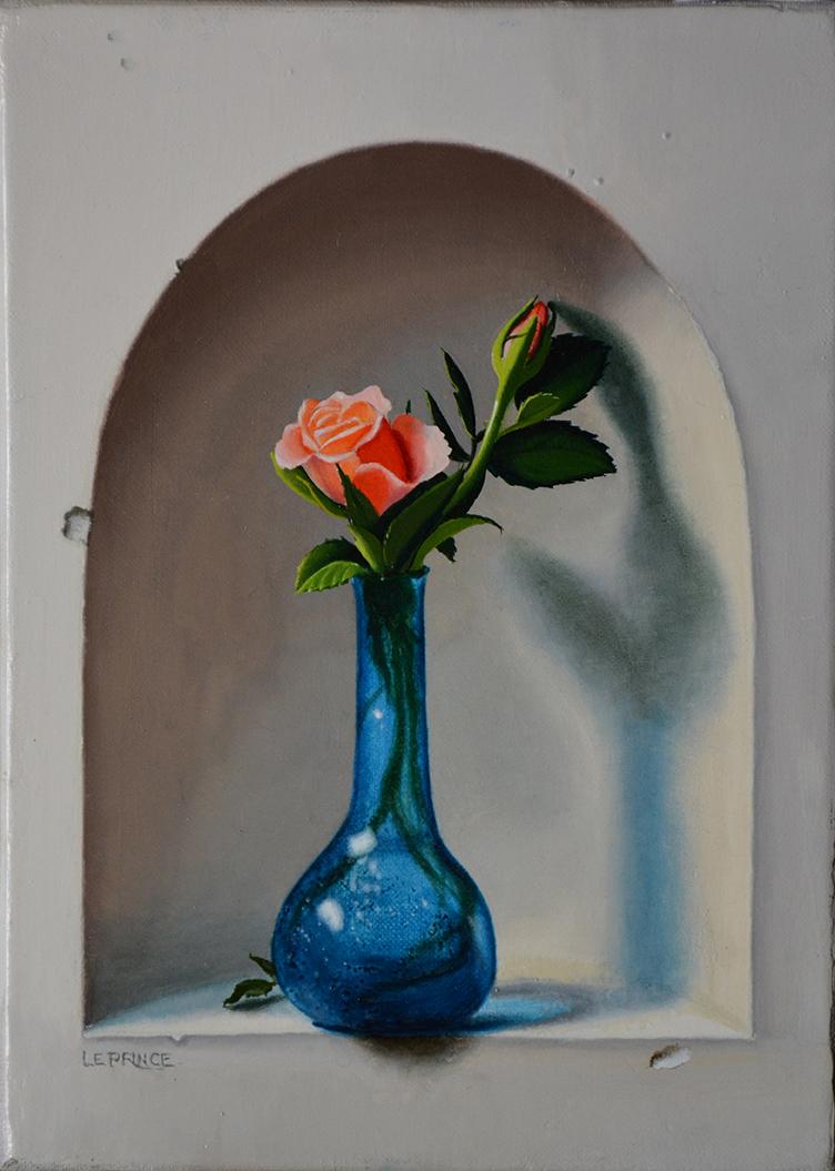 Niche à la rose. Rose inside niche.