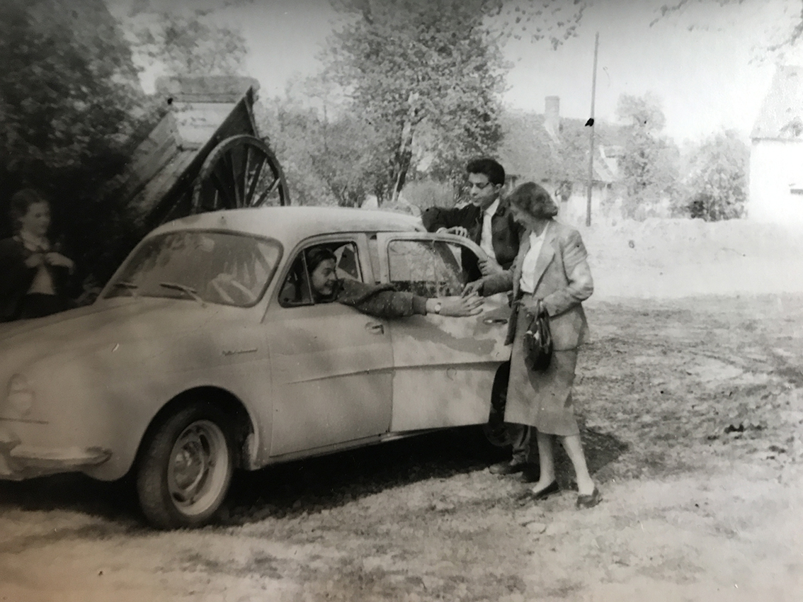 Gilou avec sa mère dans le Morvan
