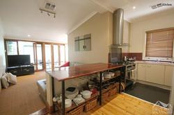 4 - Kitchen Lounge