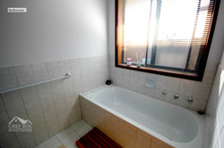 35WO - 12 Bath