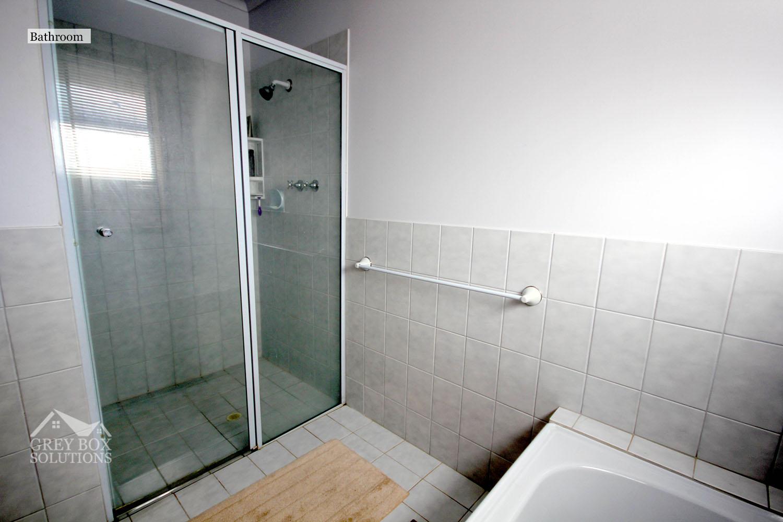 35WO - 13 Shower