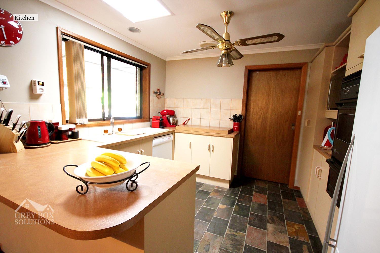 35WO - 4 Kitchen
