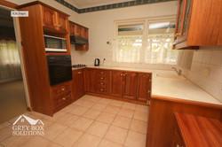 6 Kitchen 3