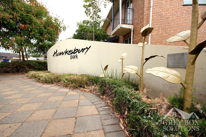 11 - Hawksbury