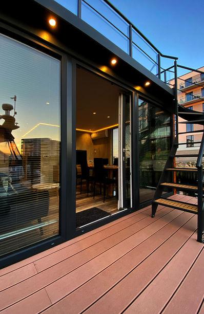Lille terrasse lige udenfor stuen