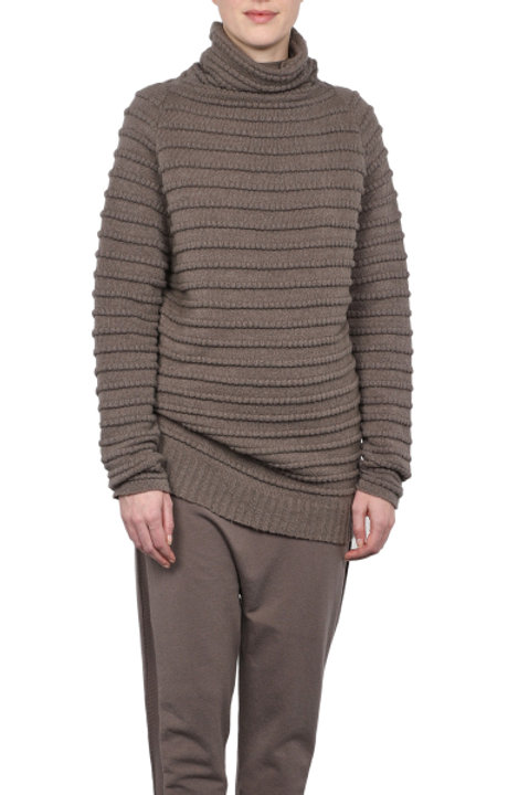 LONG RIBBED SWEATER