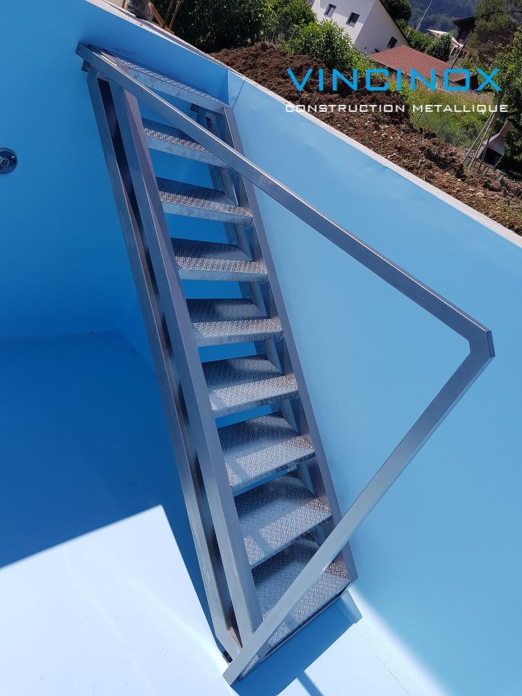 escalier piscine
