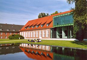 Campus,_Jacobs_University_Bremen,_2006.j