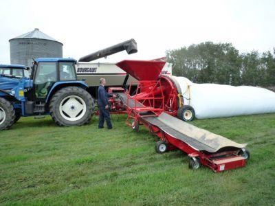 Renn Grain Bagger 2.jpg