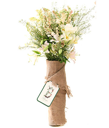 Blumm Luxe Flower Arragement White & Greens