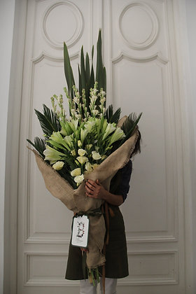LUXE White & Green Bouquet