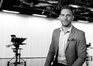 tv presenter male in studio