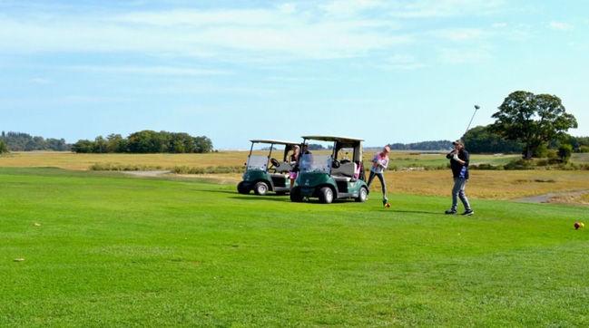 capeanngolfclub-golfers649x362.jpg