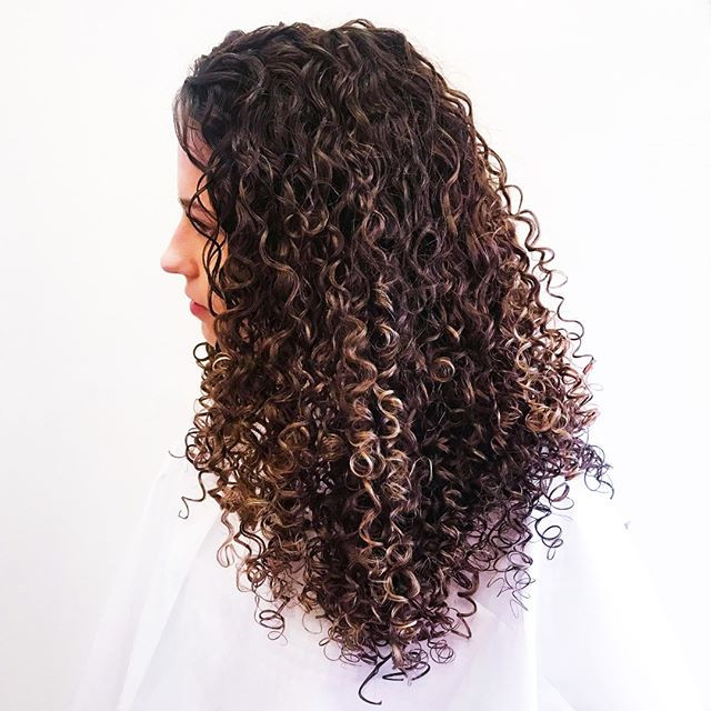 Top Tips for Curly Hair!