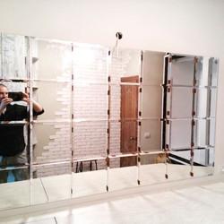 Зеркальное панно в ванной