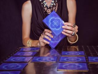 Choosing a Tarot Reader: 6 Important Qualities