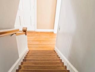 Como dar acabamento e renovar suas escadas de madeira?