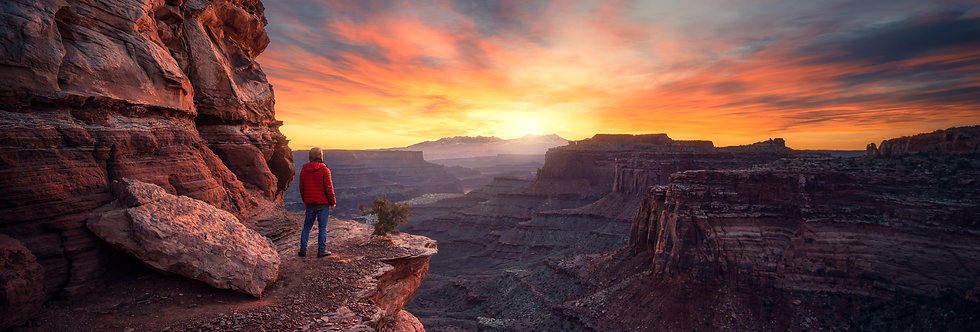 Sunrise over CanyonLands