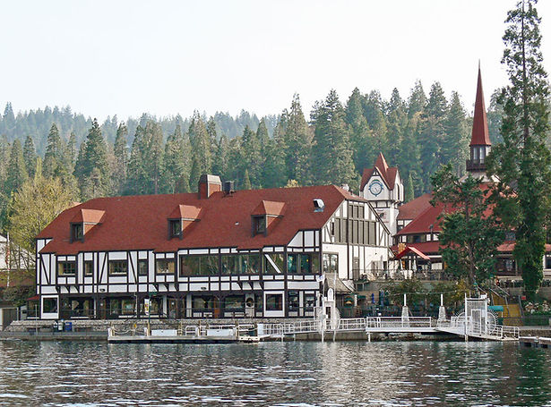 a-lake-arrowhead-village1.jpg