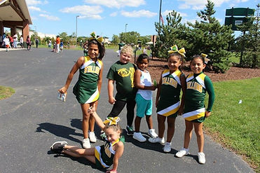 EP Stallions Cheer Image - Posing for pictures