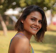 Professora Ana Paula Brasil da Escola InYoga Online