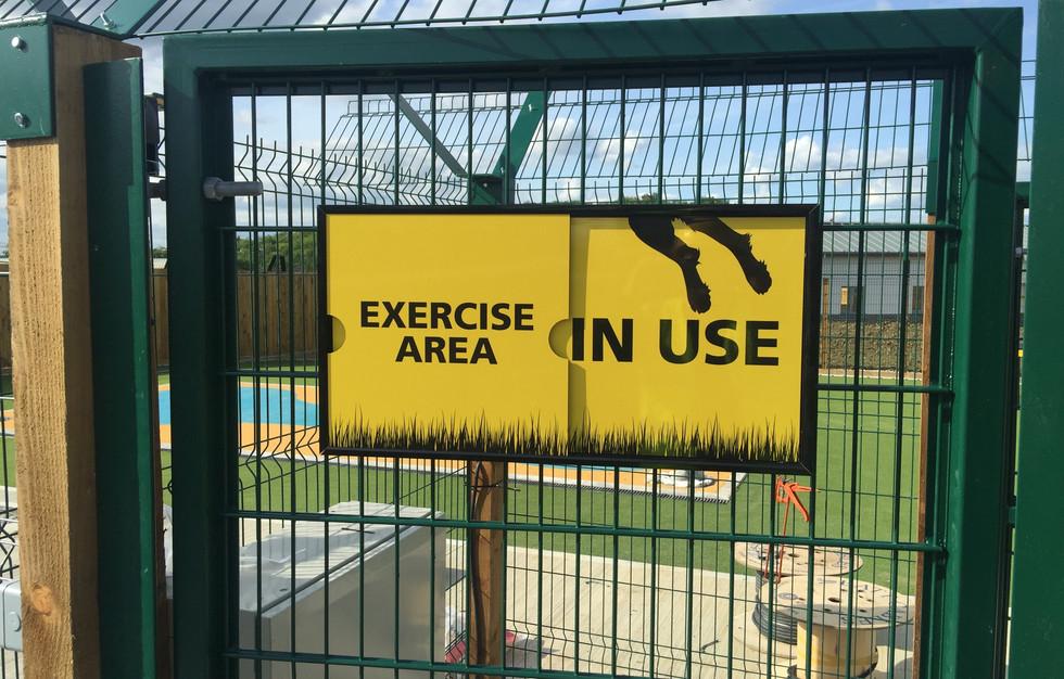 Sliding notice signs