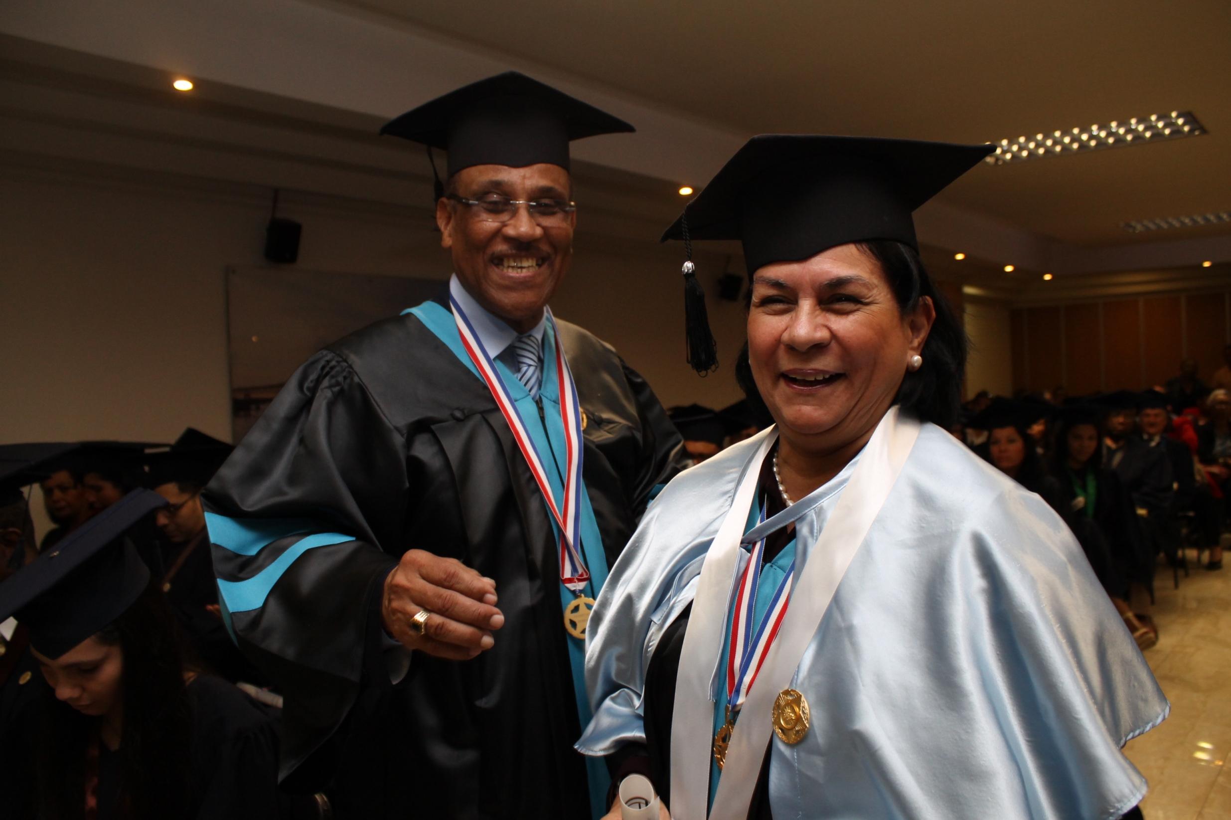 Dra. Aura M Reverón y Harry Brown.