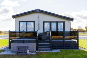 Saltire 3 Bedroom : £255,000