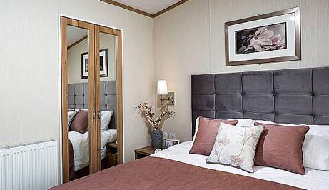 serena-bedroom1.jpg