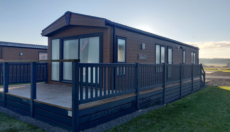 Lodge with hot tub st andrews.jpg