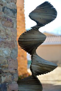 Sculpture en bois décalé