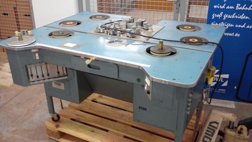 16mm Steenbeck Schneidetisch