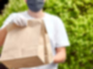 courier-hold-go-box-food-delivery-servic