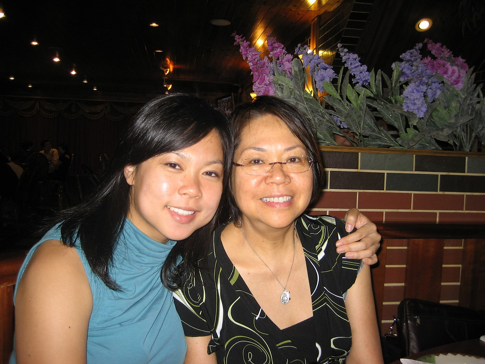 Kelly Kao and her mother