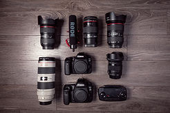 dslr-cameras-and-lenses-3989612.jpg