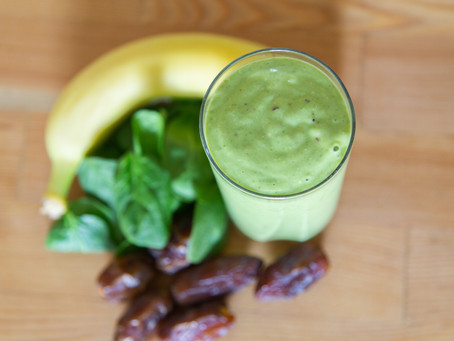 Spinach Smoothie with Dates