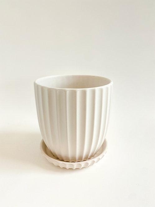Ridge Pot 17cm - Matte White