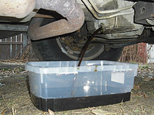 220px-Oil_Change_oil_pan_2005_gmc_suv