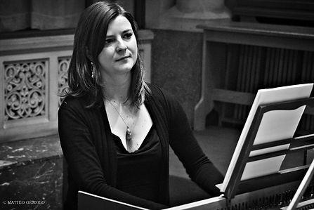 Olivia Afendulis piano